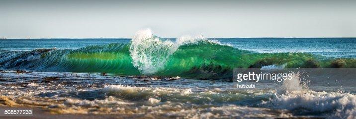 Beautiful wave : Stock Photo
