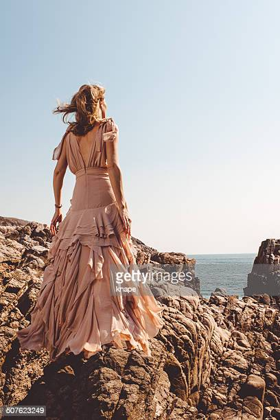 Schöne Frau am Meer