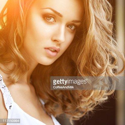 Beautiful woman wih luxury hairs : Stockfoto