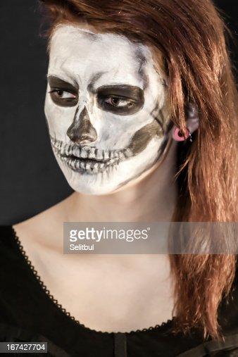 Mulher bonita com Máscara de Dia das Bruxas : Foto de stock
