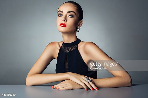 Belle femme avec bijoux