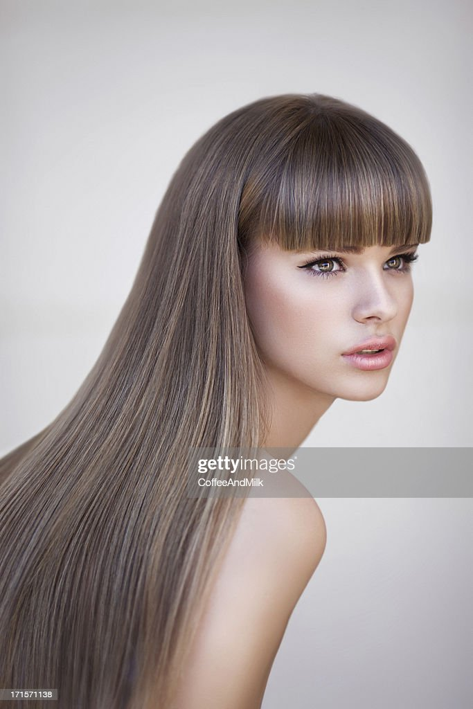 Beautiful woman with perfect hairs : Stock Photo