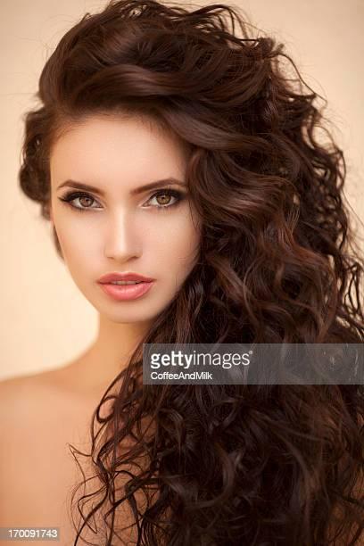 Bella donna con perfetto Stile di capelli