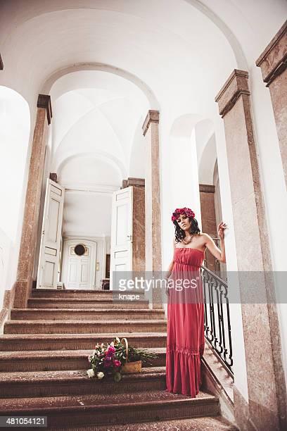 Belle femme avec des roses
