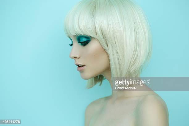 Schöne Frau mit eleganten Frisur