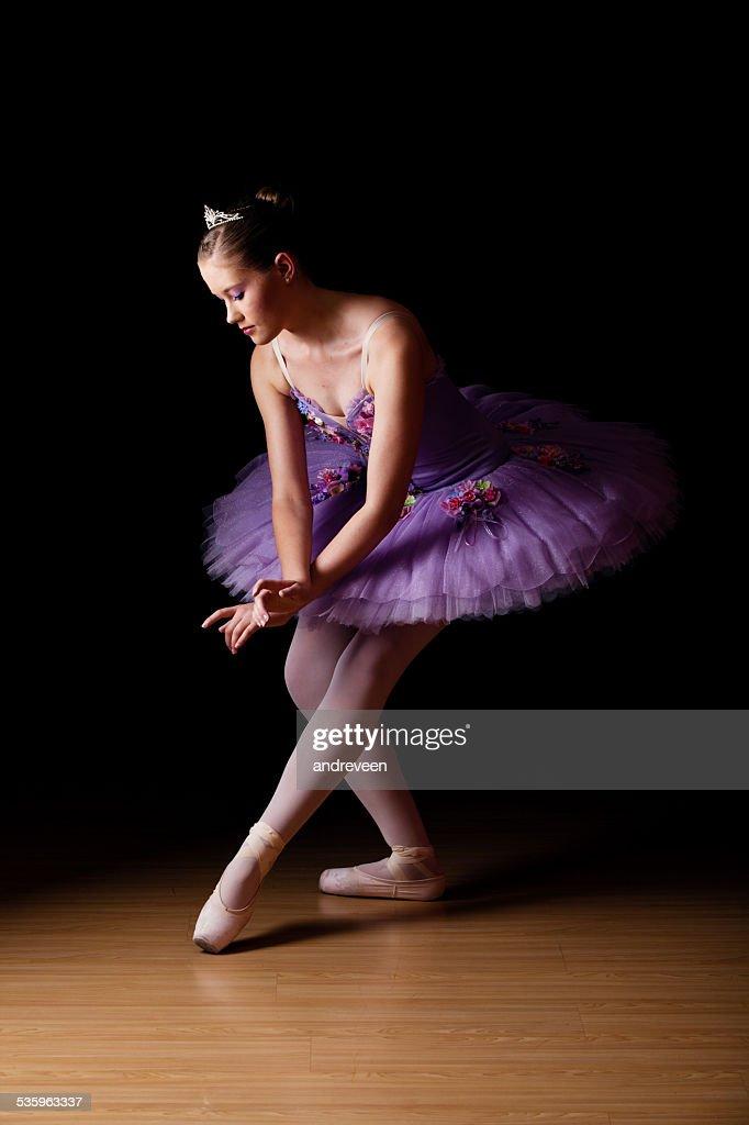 Beautiful young ballet dancer wearing lilac tutu : Stock Photo