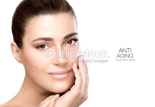 スパの女性の美しさの顔。手術とアンチエイジングのコンセプト : ストックフォト