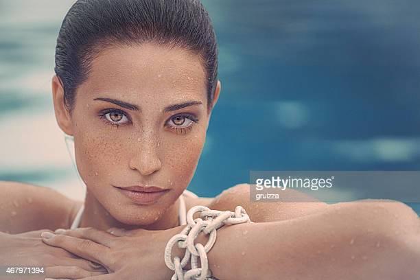 Beauty Portrait der jungen Frau mit freckless auf Ihr Gesicht