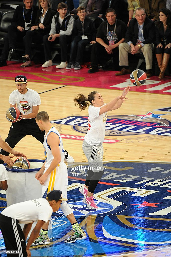 <a gi-track='captionPersonalityLinkClicked' href=/galleries/search?phrase=Becky+Hammon&family=editorial&specificpeople=203174 ng-click='$event.stopPropagation()'>Becky Hammon</a> #25 of the West Team shoots during the Sears Shooting Stars Competition on State Farm All-Star Saturday Night as part of the 2014 All-Star Weekend at Smoothie King Center on February 15, 2014 in New Orleans, Louisiana.