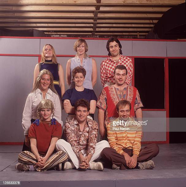 Becky Thyre Jane Lynch Pat Towne Melanie Hutsell Mari Weiss Ben Zook guest Mark Howard Sutton and Mick Napier as the cast of 'The Real Live Brady...