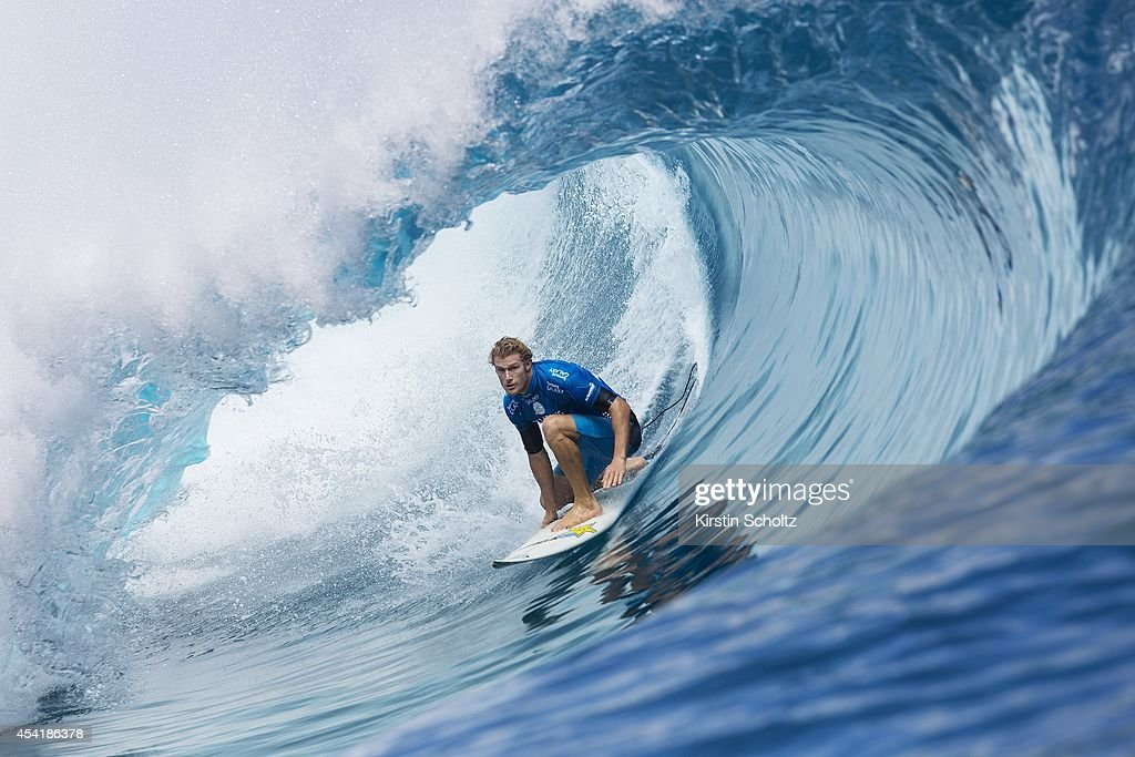 Bede Durbidge of Australia surfs during the quarterfinals of the Billabong Pro Tahiti on August 25, 2014 in Teahupo'o, French Polynesia.