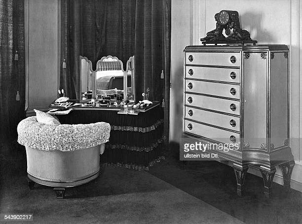vanity table and a commode about 1920 Photographer Carl Rogge Published by 'Die Dame' 07/1920/21Vintage property of ullstein bild