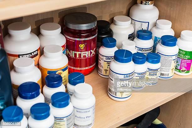 Quarto prazo total de suplemento nutricional frascos