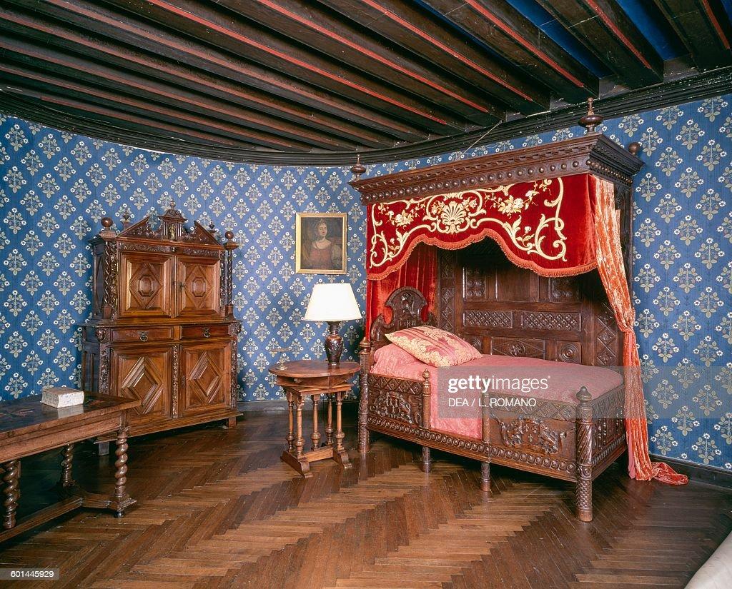 Renaissance Bedroom Furniture Bedroom With Renaissance Furniture Lassay Castle Pictures