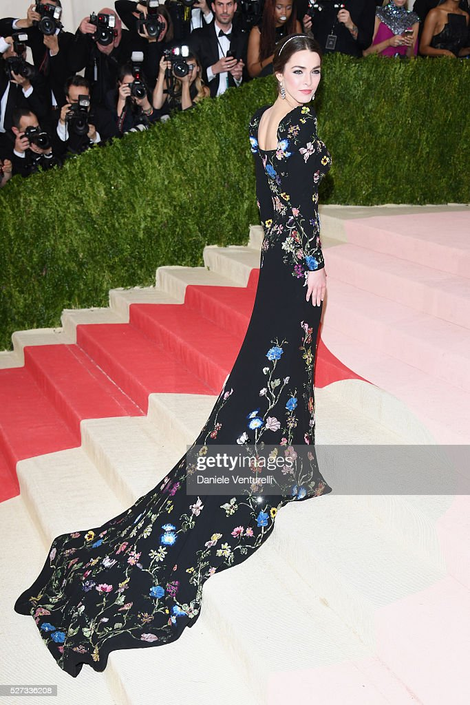 Bee Shaffer attends the 'Manus x Machina: Fashion In An Age Of Technology' Costume Institute Gala at Metropolitan Museum of Art on May 2, 2016 in New York City.