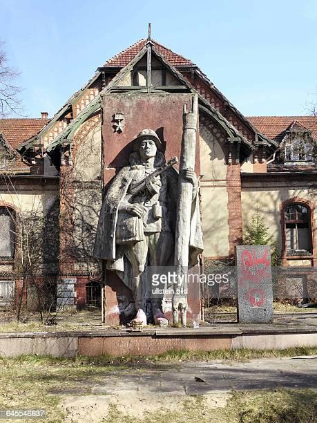 BeelitzHeilstaetten Sowjetisches Denkmal Arbeiter Lungenheilstaetten 18981936 errichte t sie bilden einen der groessten Krankenhauskomplexe im...