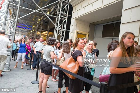 Before a performance of the Broadway musical Hamilton two days prior to creator Lin Manuel Miranda's departure from the show fans line up and wait to...