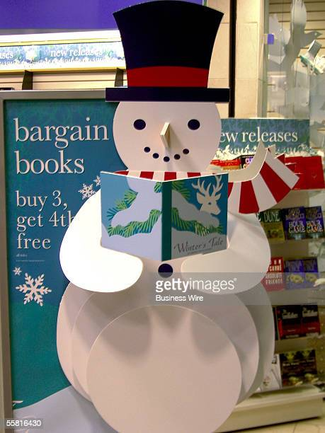 Beginning November 1 shoppers at Borders and Waldenbooks stores nationwide will find themselves virtually inside a largerthanlife 3D popup book...
