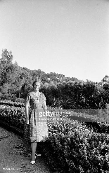 Begum Om Habibeh Aga Khan Stock Photos and Pictures ...