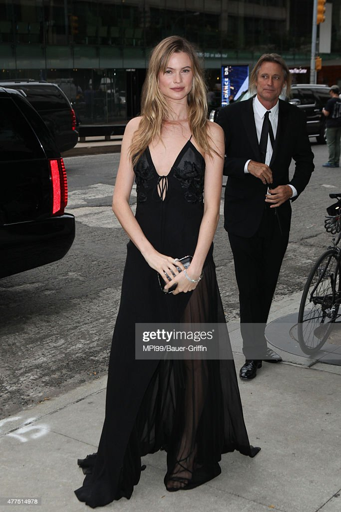 Behati Prinsloo arrives to the 2015 Fragrance Foundation Awards at Alice Tully Hall at Lincoln Center on June 17 2015 in New York City