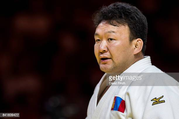 Beijing Olympic champion Tuvshinbayar Naidan of Mongolia defeated Yerzhan Shynkeyev of Kazakhstan with a hold for ippon to advance to the next o100kg...