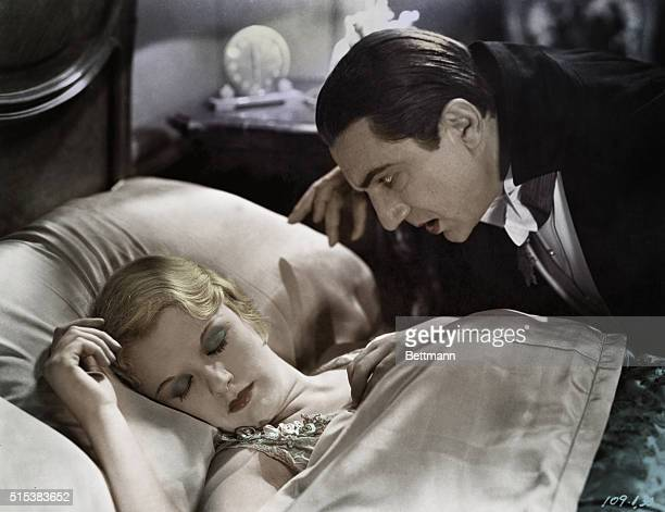 Bela Lugosi and Helen Chandler in 'Dracula' movie directed by Tod Browning for Universal