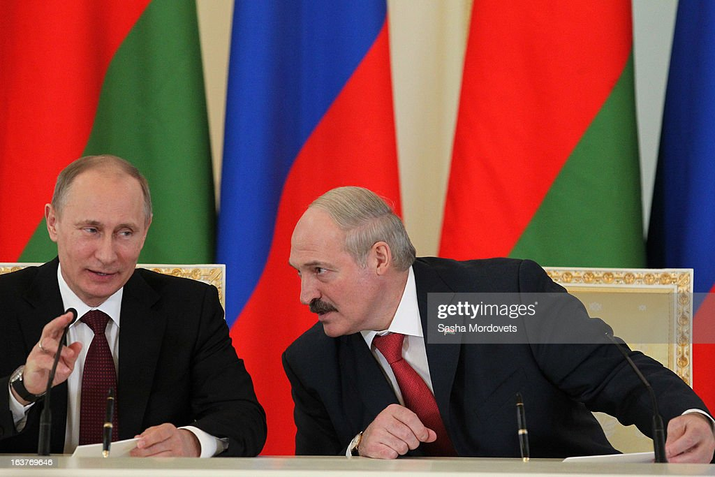 Belarusian President <a gi-track='captionPersonalityLinkClicked' href=/galleries/search?phrase=Alexander+Lukashenko&family=editorial&specificpeople=542572 ng-click='$event.stopPropagation()'>Alexander Lukashenko</a> (R) and Russian President <a gi-track='captionPersonalityLinkClicked' href=/galleries/search?phrase=Vladimir+Putin&family=editorial&specificpeople=154896 ng-click='$event.stopPropagation()'>Vladimir Putin</a> attend a meeting at Konstantinovsky Palace on March 15, 2013 in Saint Petersburg, Russia. Putin and Lukashenko met as part of the Union State's Supreme State Council summit.