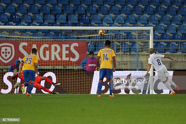 Belenenses's midfielder Andre Sousa from Portugal misses a penalty kick during the match between Estoril Praia SAD and CF Os Belenenses for the...