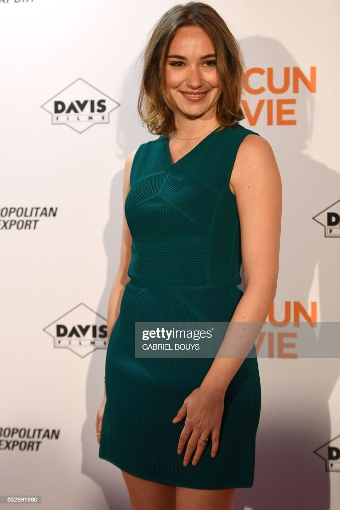 Belgian actress Deborah Francois poses during the photocall for the premiere of the film 'Chacun Sa Vie' in Paris on March 13, 2017. The film is directed by French director Claude Lelouch