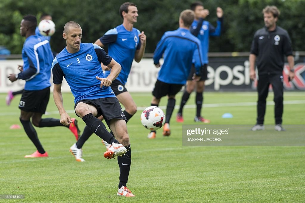Belgian midfielder Timmy Simons trains with his Brugge KV teammates on July 30, 2014 in Brugge, a day ahead of their first leg match in the third qualifying round of the UEFA Champions League competition against Danish team Brondby IF. AFP PHOTO / BELGA PHOTO / JASPER JACOBS ** Belgium Out **