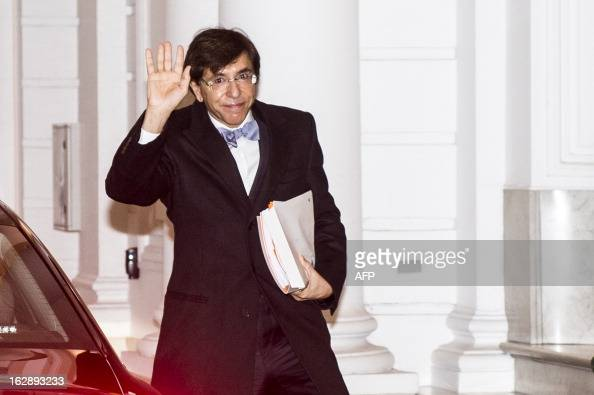 Belgian Prime Minister Elio Di Rupo arrives for a kern meeting a restricted ministers meeting at the Prime Minister's office 16 Law Street in...