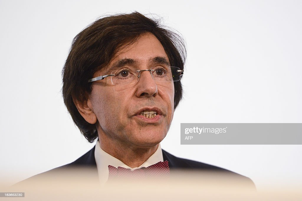 Belgian Prime minister Elio Di Rupo gives a press conference to announce an agreement on the budget after a inner cabinet meeting on October 8, 2013 in Brussels. AFP PHOTO / BELGA PHOTO / LAURIE DIEFFEMBACQ