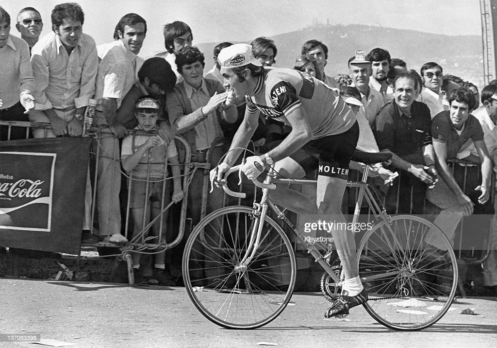 Belgian racing cyclist <a gi-track='captionPersonalityLinkClicked' href=/galleries/search?phrase=Eddy+Merckx&family=editorial&specificpeople=213957 ng-click='$event.stopPropagation()'>Eddy Merckx</a> on his way to victory in the Escalada a Montjuic road race, Barcelona, Spain, 27th September 1972.