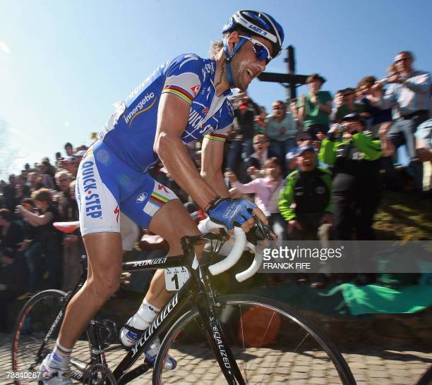 Belgian Tom Boonen rides during the 91st Tour of Flanders cycling race between Brugge and Meerbeke 08 April 2007 Italian Alessandro Ballan won ahead...
