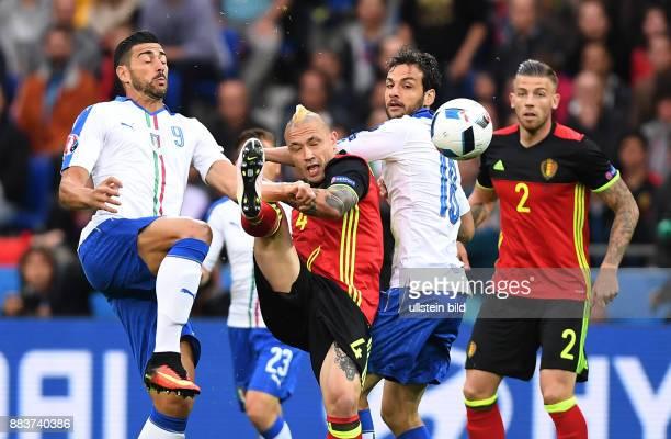 FUSSBALL Belgien Italien Graziano Pelle und Marco Parolo gegen Radja Nainggolan