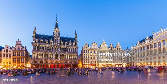 Belgium, Brussels, Grand Place, Grote Markt, Maison du Roi in the evening