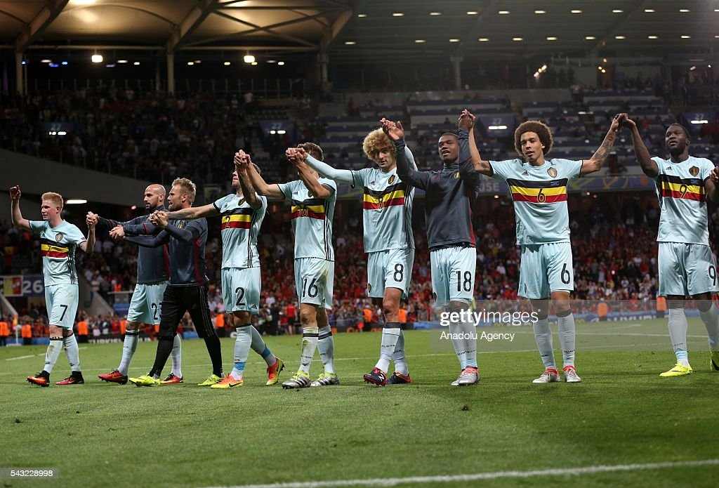 Belgium players celebrate their 4-0 win after the UEFA EURO 2016 round of 16 match between Hungary and Belgium at Stadium Municipal on June 26, 2016 in Toulouse, France.
