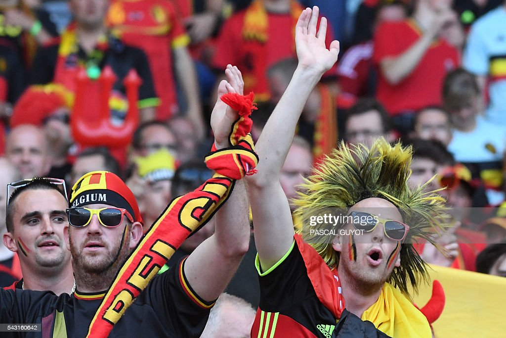 Belgium supporters cheer prior to the Euro 2016 round of 16 football match between Hungary and Belgium at the Stadium Municipal in Toulouse on June 26, 2016. / AFP / PASCAL