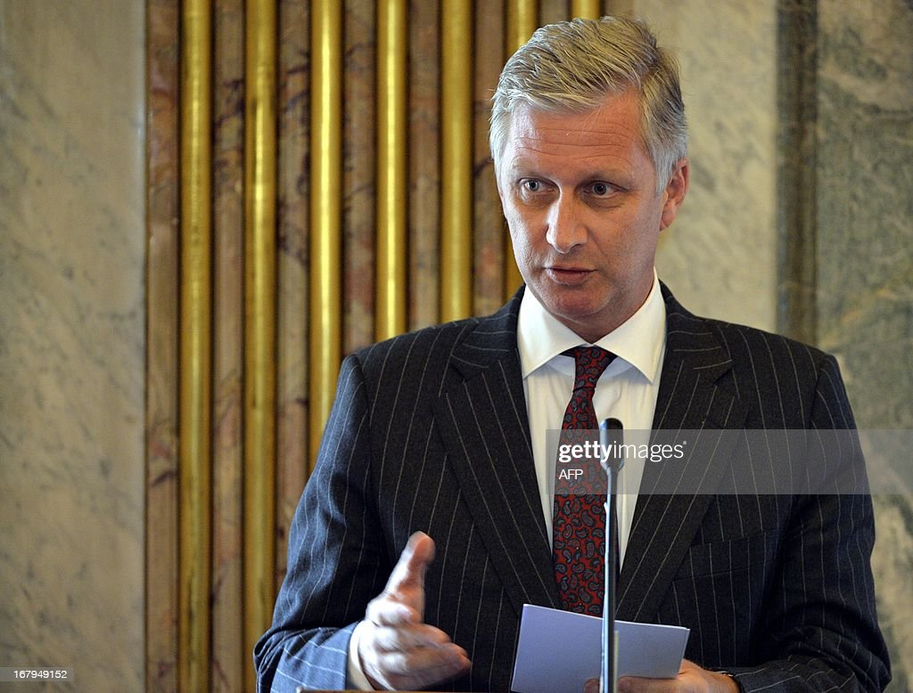 Belgium's Crown Prince Philippe of Belgium speaks during the Princess Mathilde award giving ceremony, in Brussels' Royal Palace, on May 3, 2013. The Princess Mathilde award is focused this year on the role of fathers in education. AFP PHOTO / BELGA / ERIC LALMAND Belgium Out