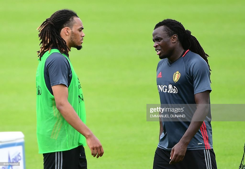 Belgium's defender Jason Denayer (L) and Belgium's defender Jordan Lukaku take part in a training session in Le Haillan, southwestern France, on June 27, 2016, ahead of their Euro 2016 quarter-final football match against Wales. / AFP / EMMANUEL