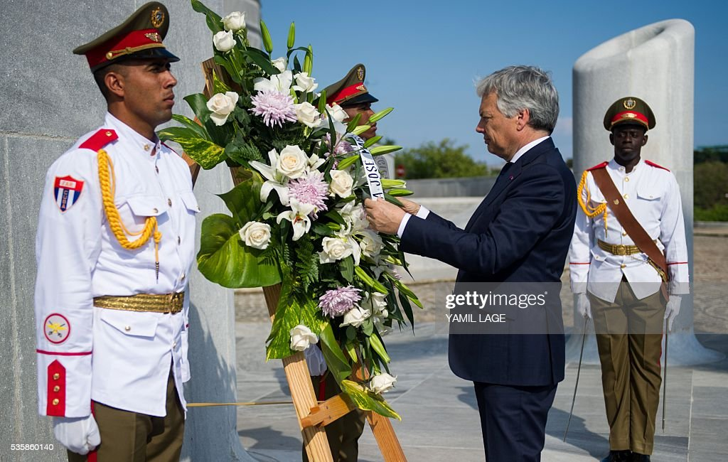 Belgium's Deputy PM and Minister of Foreign and European Affairs Didier Reynders, is depicted during a wreath laying ceremony in front of the monument to Cuban hero Jose Marti at Revolution Square in Havana on May 30, 2016 / AFP / YAMIL