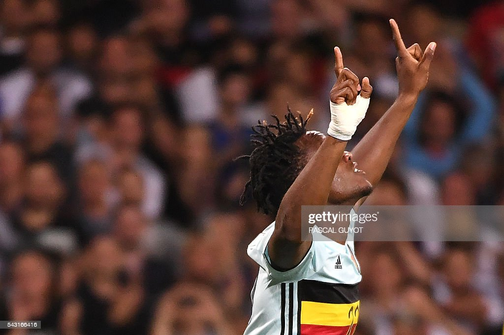 Belgium's forward Michy Batshuayi celebrates after scoring his team's second goal during the Euro 2016 round of 16 football match between Hungary and Belgium at the Stadium Municipal in Toulouse on June 26, 2016. / AFP / PASCAL
