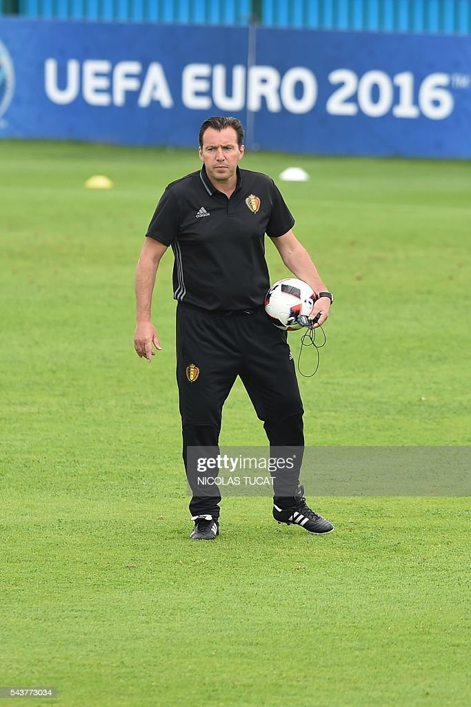 Belgium's head coach Marc Wilmots takes part in a training session during the Euro 2016 football tournament at Le Haillan on June 30, 2016. / AFP / NICOLAS