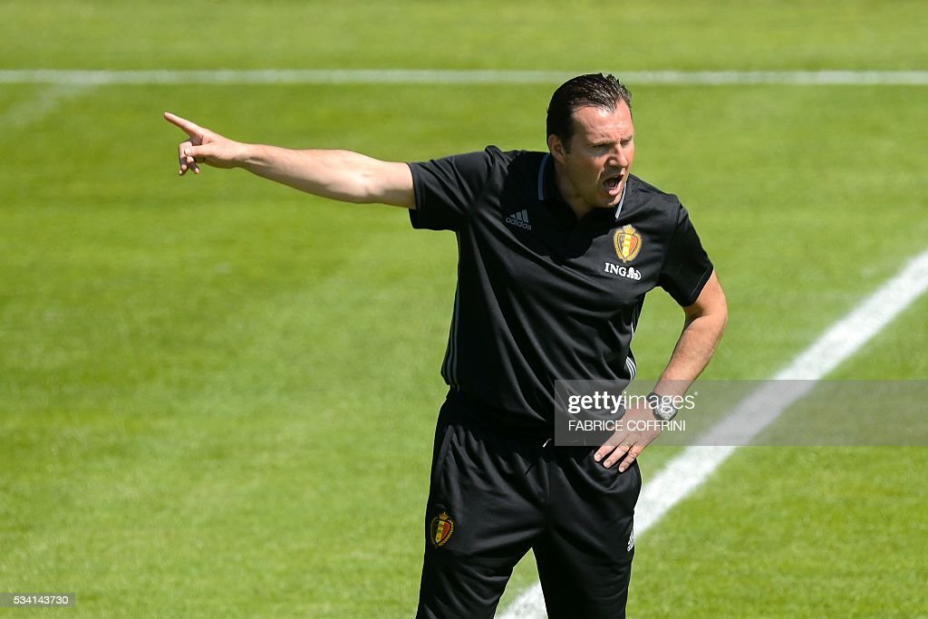 Belgium's national football team head coach Marc Wilmots attends a training on May 25, 2016 in Lausanne. The Belgian team is in Lausanne for a training camp in preparation for the UEFA Euro 2016 soccer championship in France. / AFP / FABRICE