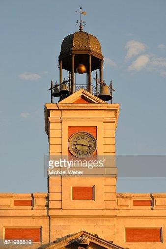 Bell tower of the presidencia de la comunidad de madrid for Casa de correos madrid