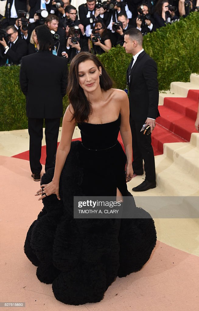 Bella Hadid arrives for the Costume Institute Benefit at The Metropolitan Museum of Art May 2, 2016 in New York. / AFP / TIMOTHY