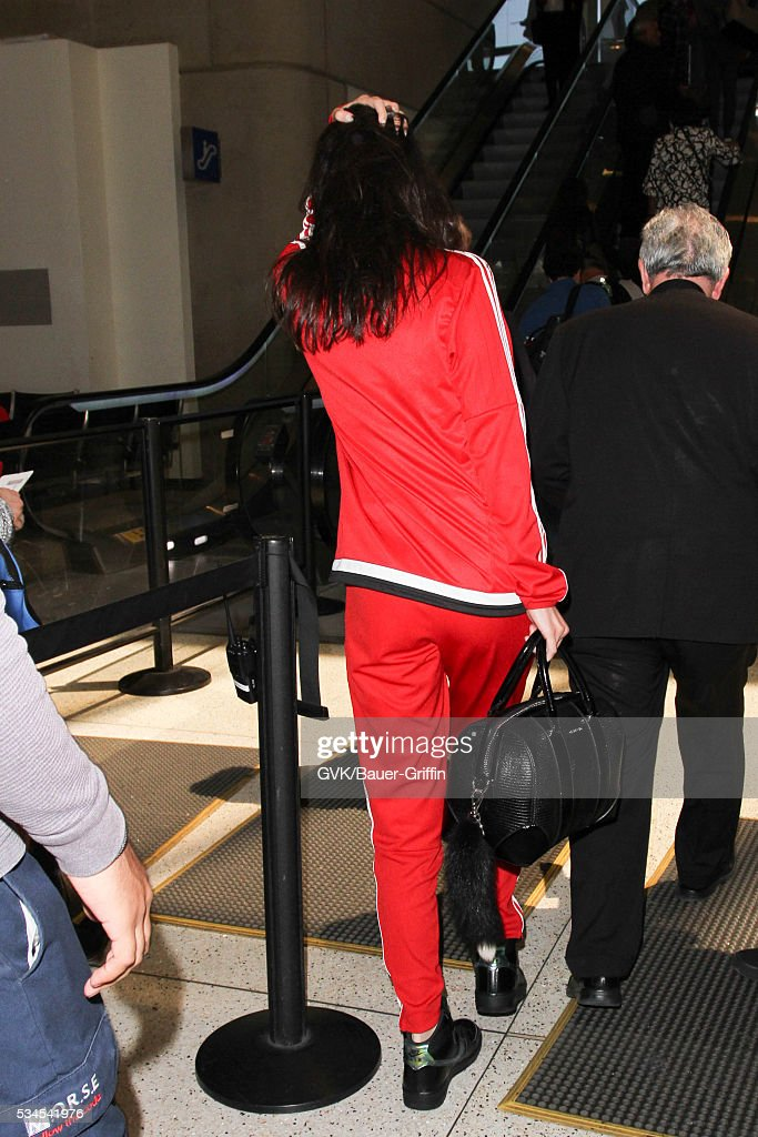 <a gi-track='captionPersonalityLinkClicked' href=/galleries/search?phrase=Bella+Hadid&family=editorial&specificpeople=7245032 ng-click='$event.stopPropagation()'>Bella Hadid</a> is seen at LAX on May 26, 2016 in Los Angeles, California.