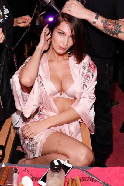 Bella Hadid Victoria S Secret Fashion Show