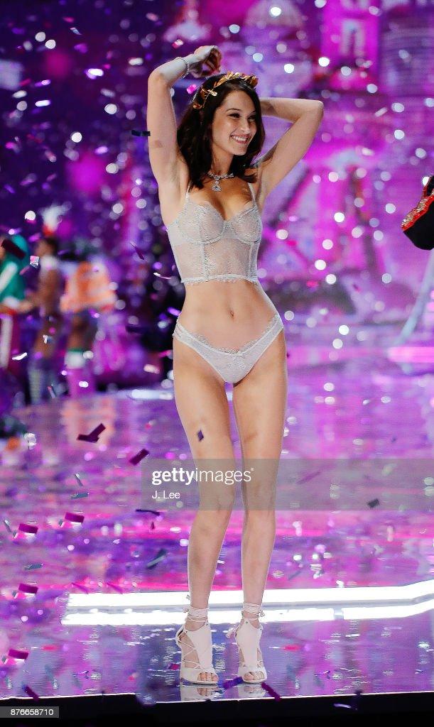 2017 Victoria's Secret Fashion Show - Runway