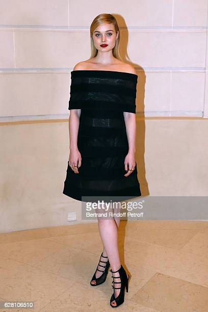 Bella Heathcote attends the 'Chanel Collection des Metiers d'Art 2016/17 Paris Cosmopolite' Photocall at Hotel Ritz on December 6 2016 in Paris France